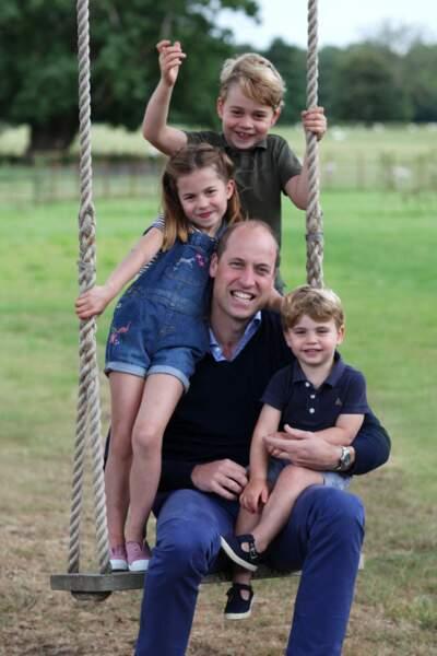 Le prince William et ses enfants le prince George, la princesse Charlotte et le prince Louis, le 21 juin 2020.