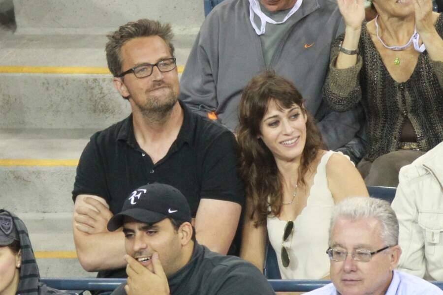 Matthew Perry et Lizzy Caplan, un flirt