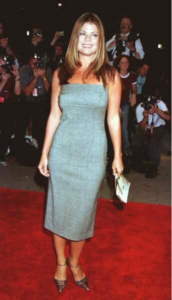 """Yasmine Bleeth lors de la première du film """"In and Out"""", à New York, le 16 septembre 1997"""