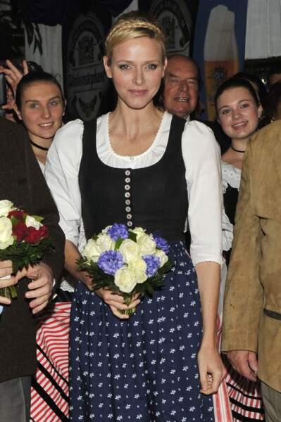 """14 Octobre 2012 : Charlene coiffée d'une tresse couronne pour le """"Oktoberfest"""" de Monaco"""