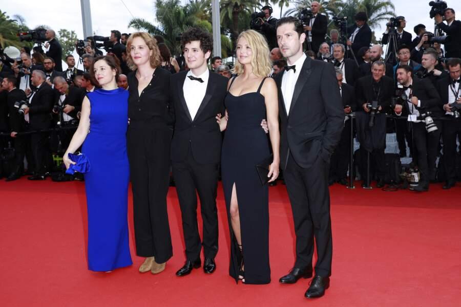 Virginie Efira en 2016 au Festival de Cannes :  elle s'illustre en noir, dans une robe bustier très élégante et fendue sur le devant.