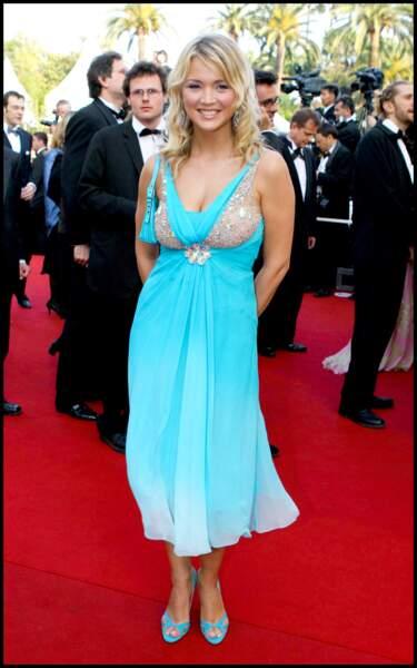 Virginie Efira en 2005 au Festival de Cannes : jeune animatrice en robe bleue flashy
