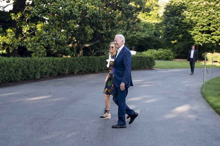 Jill Biden aussi à l'aise en escarpins qu'en espadrilles.