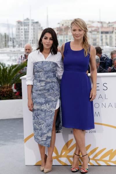 Virginie Efira en 2018 au Festival de Cannes : elle mise sur une petite robe bleue toute simple et des escarpins à talons.