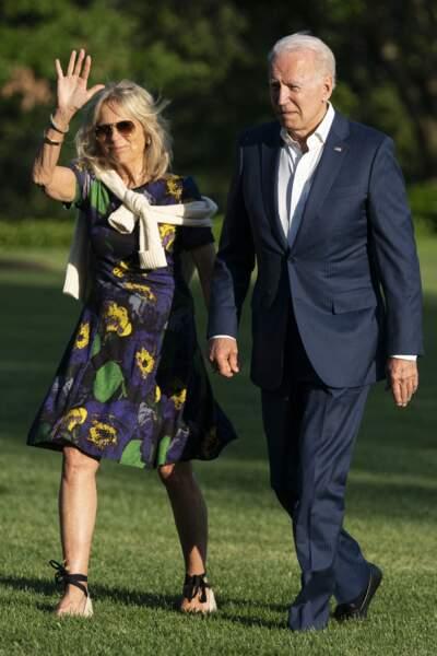 Jill Biden avec une robe courte parfaite pour l'été 2021.