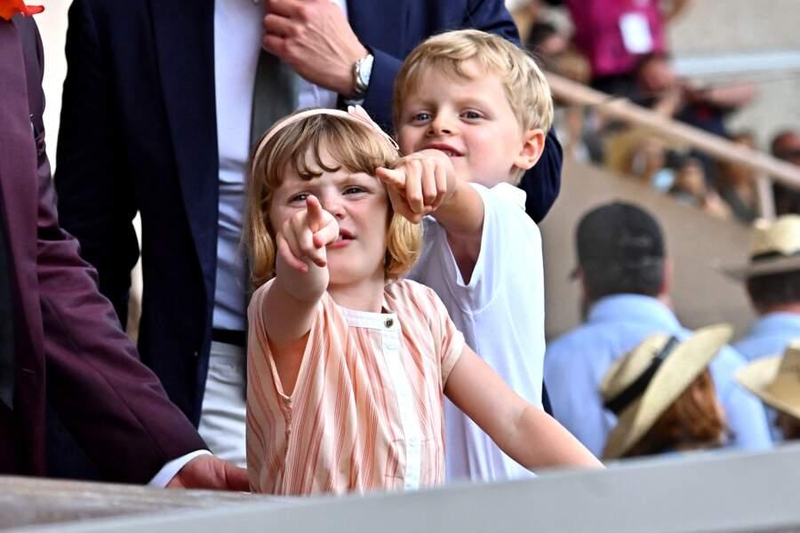 Le prince héréditaire Jacques de Monaco et sa soeur la princesse Gabriella de Monaco durant la dernière journée du World Rugby Sevens Repechage tournament qui s'est déroulée au Stade Louis II le 20 juin 2021.
