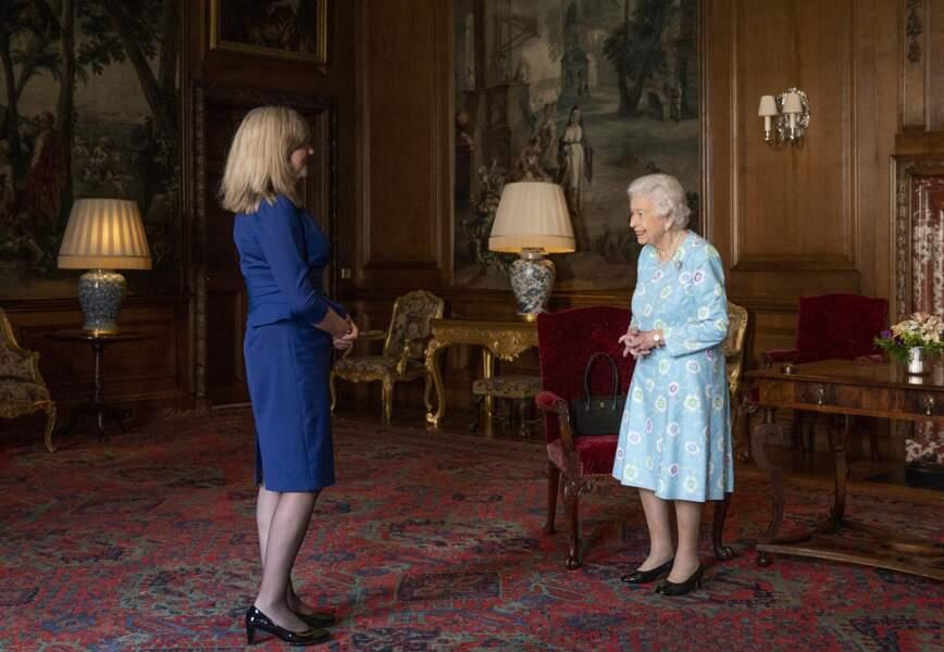 En cette semaine dédiée à l'Ecosse, Elizabeth II a reçu la présidente du Parlement écossais, Alison Johnstone, au palais de Holyroodhouse à Edimbourg