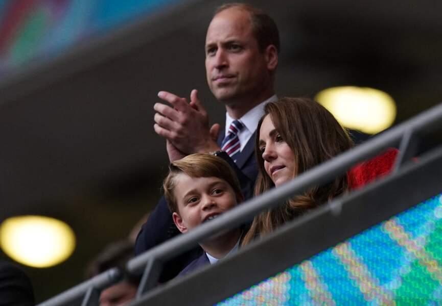 William et Kate avec le prince George lors du match Angleterre-Allemagne lors de l'Euro 2020 au stade de Wembley à Londres le 29 juin 2021