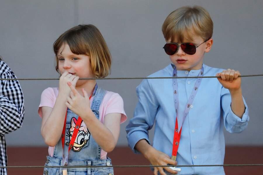 Le prince Jacques de Monaco et la princesse Gabriella - La famille princière de Monaco est sur le podium pour la remise de prix lors du E-Prix De Monaco 2021 le 8 mai 2021.