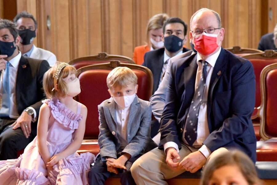 """Le prince Albert II de Monaco et ses enfants, le prince héréditaire Jacques et la princesse Gabriella,  ont participé au lancement du programme """"Océano pour Tous"""" au Musée Océanographique de Monaco, le 1er juin 2021."""