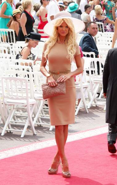 Victoria Silvstedt arrive au mariage du prince Albert II et de Charlene, le 1er juillet 2011