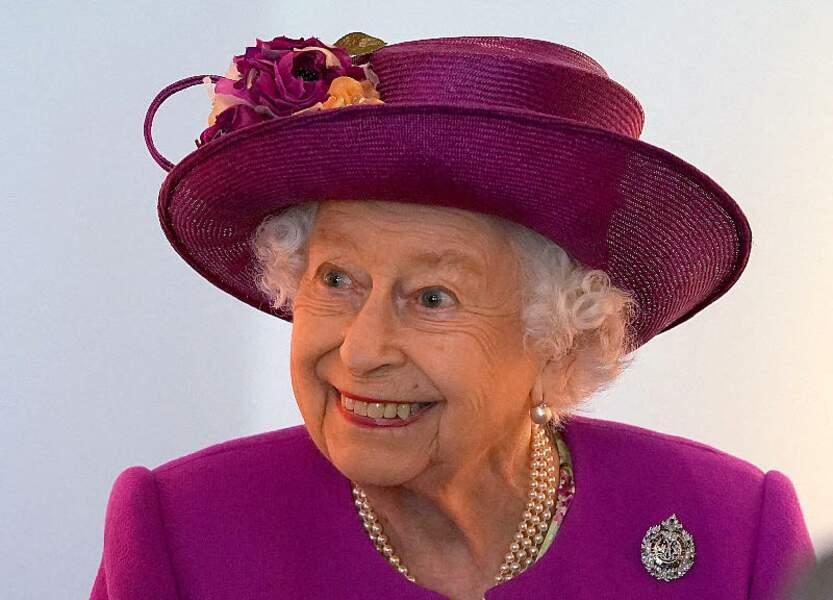Lors de sa semaine spéciale Ecosse, la reine d'Angleterre est apparue souriante et enjouée, au château de Stirling, dans le sud du pays, le 29 juin 2021