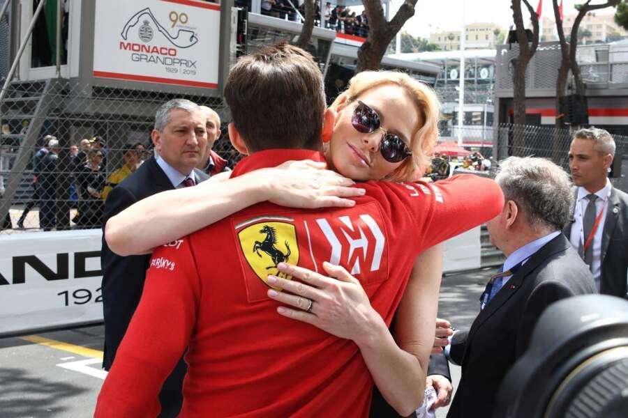 Charlene de Monaco félicite le pilote de formule 1 lors du 77ème Grand Prix de Formule 1 de Monaco, le 26 mai 2019