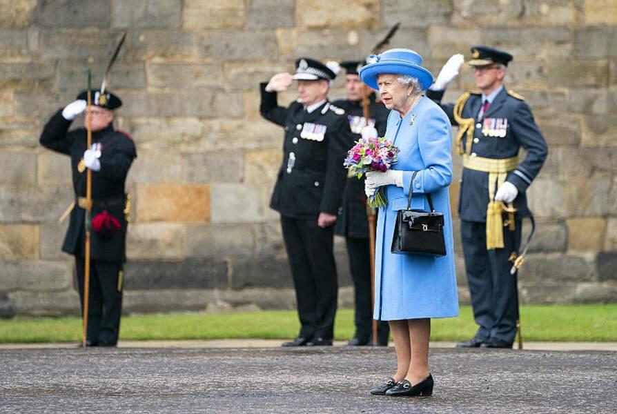 Lors d'un cérémonie au palais d'Holyroodhouse, Elizabeth II s'est vu remettre les clés de la ville, un événement inaugurant la semaine dédiée à l'Ecosse