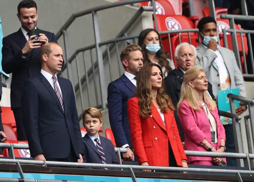 Le prince William, le prince George et Kate Middleton ont pris place dans les tribunes du stade de Wembley à Londres, ce mardi 29 juin
