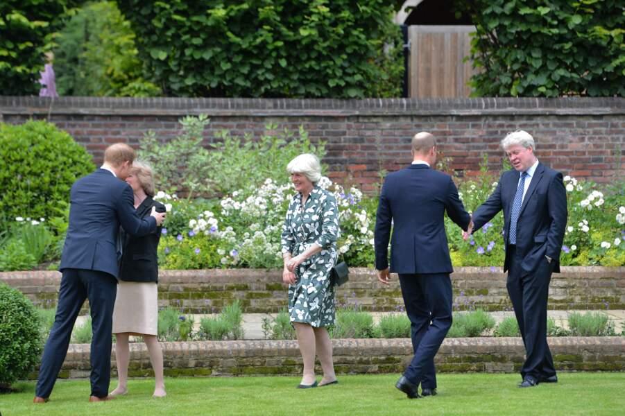 William et Harry avec Earl Spencer et Lady Jane Fellowes lors de l'inauguration de la statue de leur mère Diana, le 1er juillet 2021.