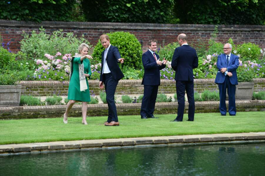 Grand debriefing après la révélation de la statue en hommage à Diana, ce 1er juillet 2021.