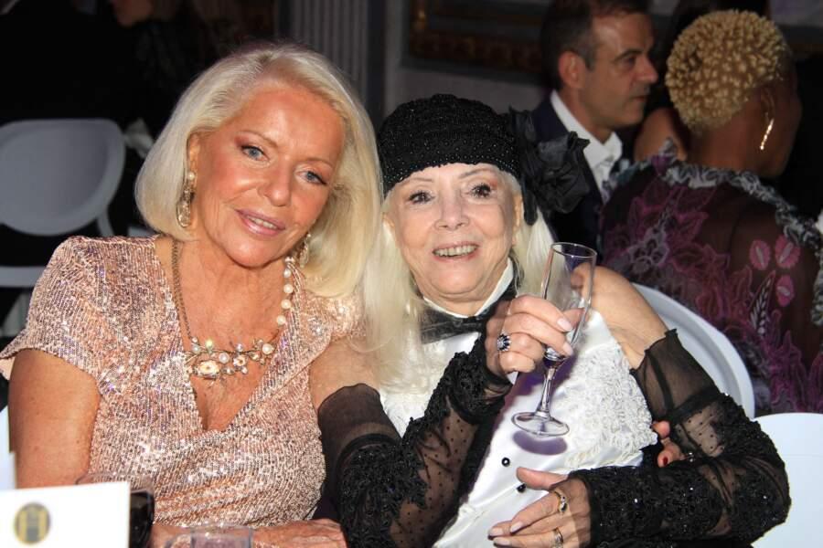 """La comtesse Martine de Leseleuc de Kerouara et la cheffe d'entreprise Rita Squillante, à la soirée """"La Dolce Vita De Massimo"""", à Paris, ce 30 juin 2021."""