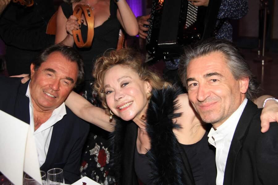 """L'auteur Hervé Pouchol, l'actrice Grace de Capitani et son compagnon, Jean-Pierre Jacquin ont assisté à la soirée """"La Dolce Vita De Massimo"""", à Paris, le 30 juin 2021."""