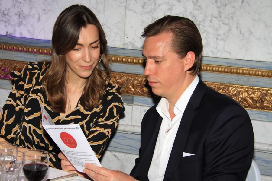 """Le prince Louis de Luxembourg et sa fiancée Scarlett-Lauren Sirgue, lors de la soirée """"La Dolce Vita De Massimo""""."""