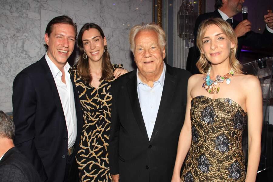 """Le prince Louis de Luxembourg, sa fiancée Scarlett-Lauren Sirgue, Massimo Gargia et Elisabeth Defforey ont assisté à la soirée """"La Dolce Vita De Massimo"""", à Paris le 30 juin 2021."""