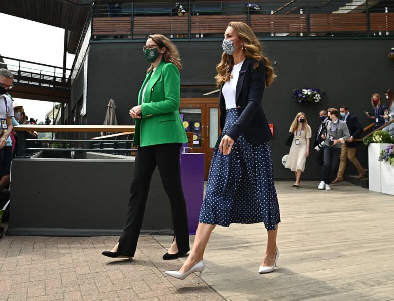 Kate Middleton assiste à la 5ème journée du tournoi de Wimbledon le 2 juillet 2021.