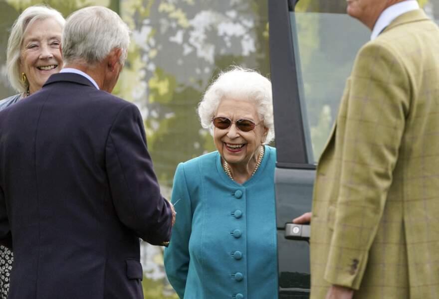 Attendue de pied ferme, la reine Elizabeth II n'a pas boudé son plaisir d'assister au Royal Windsor Horse Show à Windsor le 1er juillet 2021.