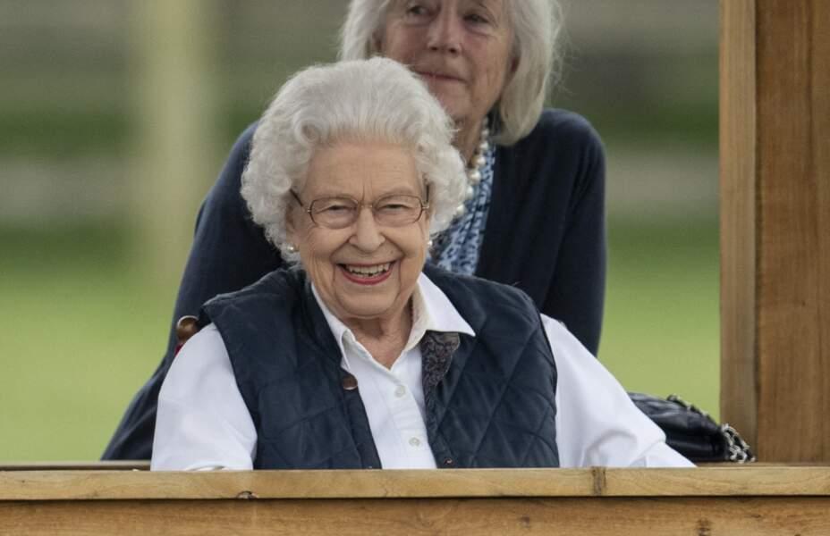 """La Reine Elizabeth II a dévoilé un grand sourire à la course hippique """"Royal Windsor Horse Show"""", le 2 juillet 2021, à Windsor."""
