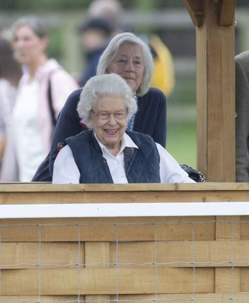 """Attentive, la Reine a suivi avec attention la course hippique """"Royal Windsor Horse Show"""", le 2 juillet 2021, à Windsor."""