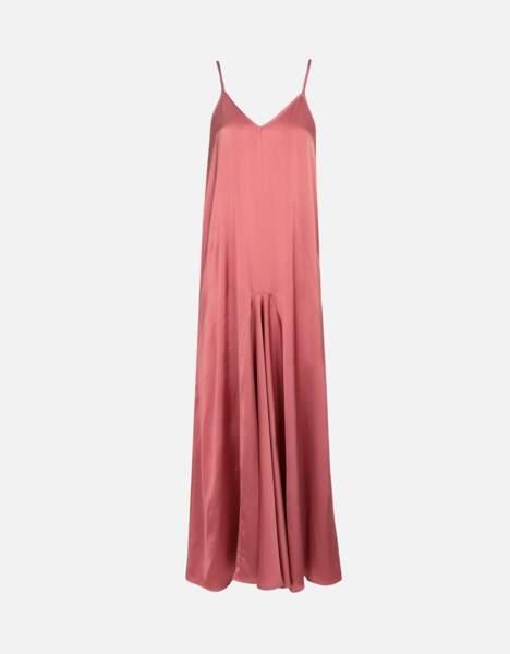 Robe longue denise fluide et légère faded rose, 175€, Reiko