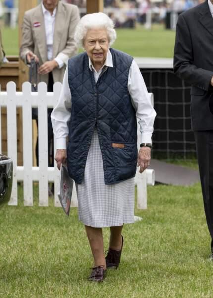 En forme, Elizabeth II a assisté à une course de chevaux ce 2 juillet 2021, à Windsor.