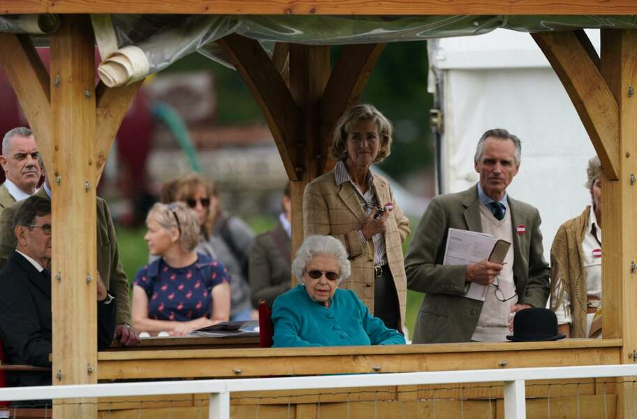 La reine Elizabeth II accompagnée par Lady Penny lors du Royal Windsor Horse Show à Windsor le 1er juillet 2021.