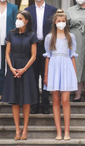 La reine Letizia d'Espagne et sa fille Sofia à Barcelone le 1er juillet
