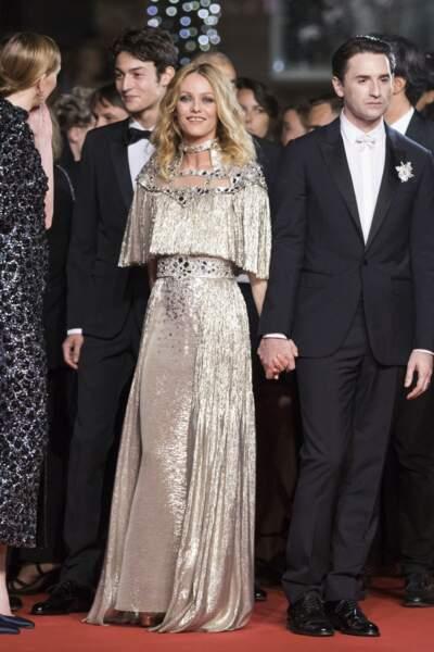 Vanessa Paradis en 2018 : scintillante en robe de vestale Chanel