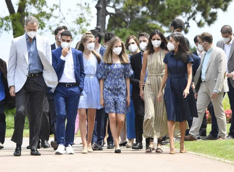 La famille royale d'Espagne réunie marche pour célébrer les jeunes talents à Barcelone le 1er juillet 2021