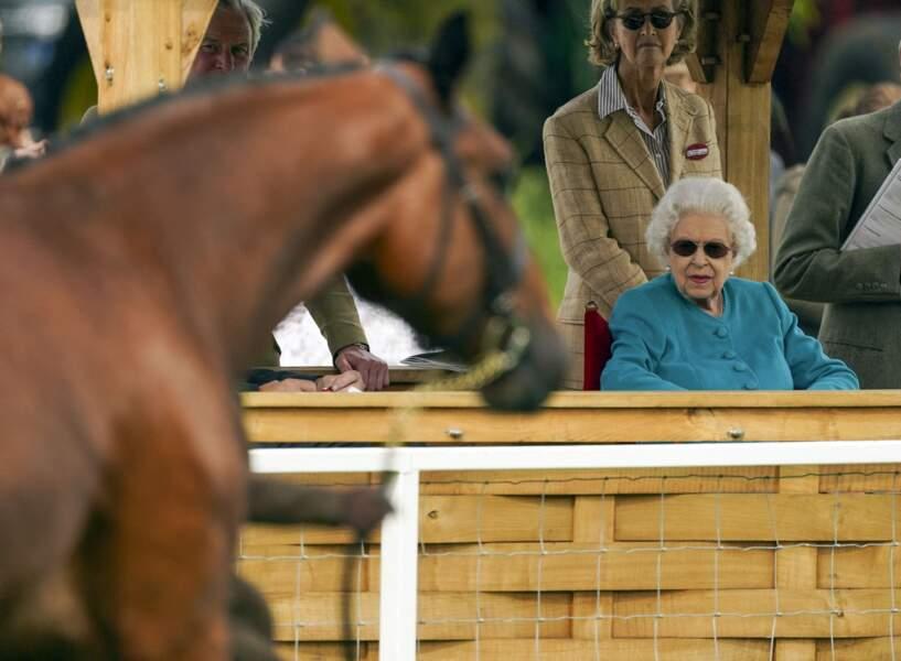 La reine Elizabeth II et Lady Penny partagent une passion pour les sports équestres, ici au Royal Windsor Horse Show à Windsor le 1er juillet 2021.