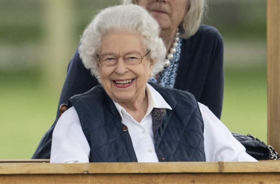 """Ce 2 juillet 2021, la reine Elizabeth II a fait son grand retour à Windsor. Elle a assisté à la course hippique """"Royal Windsor Horse Show""""."""