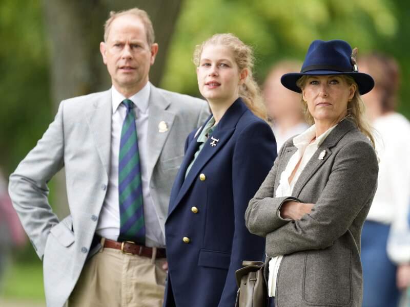 Passionnée de chevaux, Lady Louise est venue assister dans un costume élégant au Royal Windsor Horse Show, le 3 juillet.