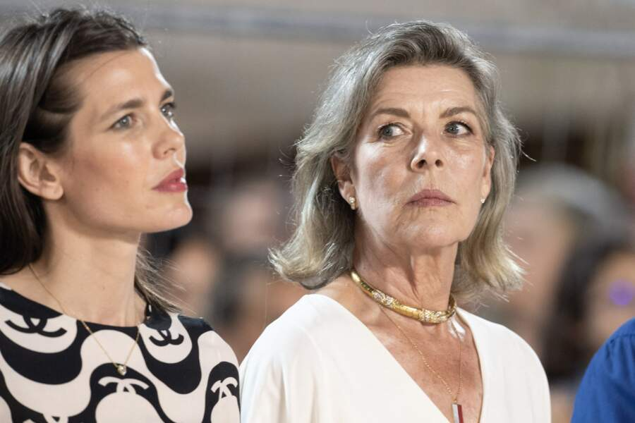 Un duo mère/fille très élégant lors du 15e Jumping de Monte-Carlo.