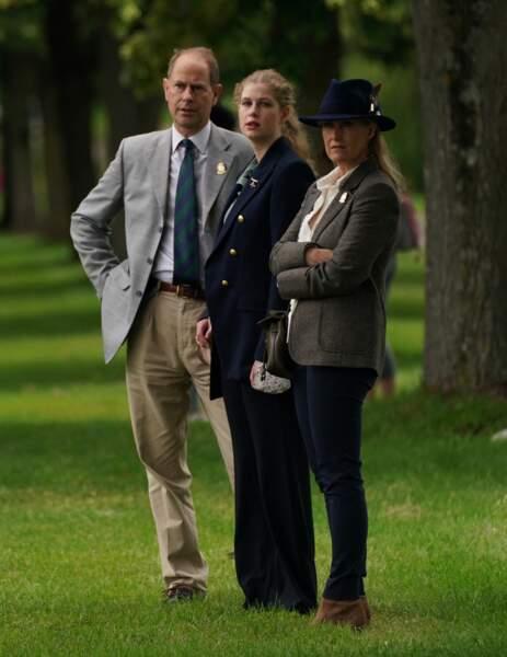Le comte et la comtesse de Wessex et leur fille, Lady Louise Windsor, au Royal Windsor Horse Show ce samedi 3 juillet.