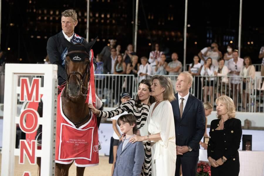 Une apparition très remarquée à Monaco de la princesse Caroline, sa fille Charlotte Casiraghi et son petit-fils, Raphaël.