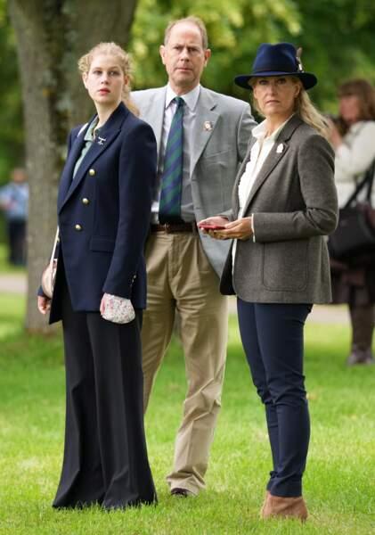 Lady Louise a fait une apparition avec ses parents au Royal Windsor Horse Show ce samedi 3 juillet.