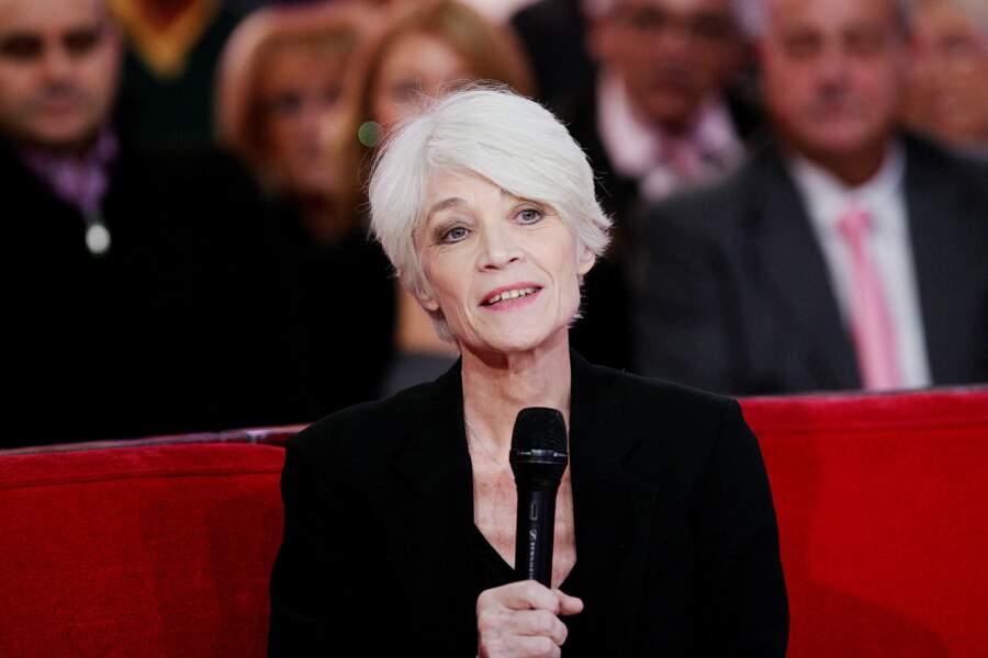 """Francoise Hardy lors de l'enregistrement de l'émission """"Vivement Dimanche"""". Le 30 octobre 2012"""