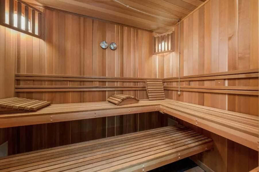 Le sauna de la villa de Laeticia et Johnny Hallyday à Pacific Palisades vendue en février 2021 pour 13 millions d'euros à Los Angeles.