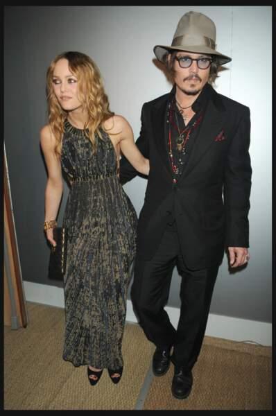 Vanessa Paradis en 2010 : aux bras de Johnny Depp en élégante robe longue