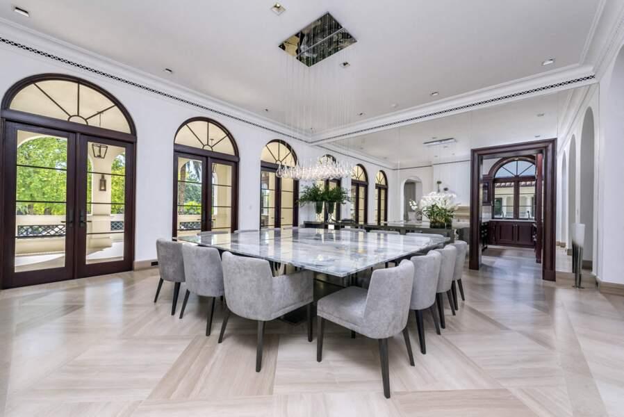 La grande salle à manger