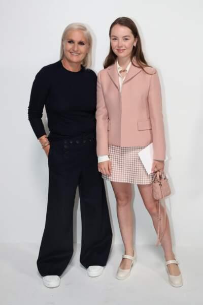 La princesse Alexandra de Hanovre ravissante en jupe courte vichy au défilé Dior le 5 juillet 2021.