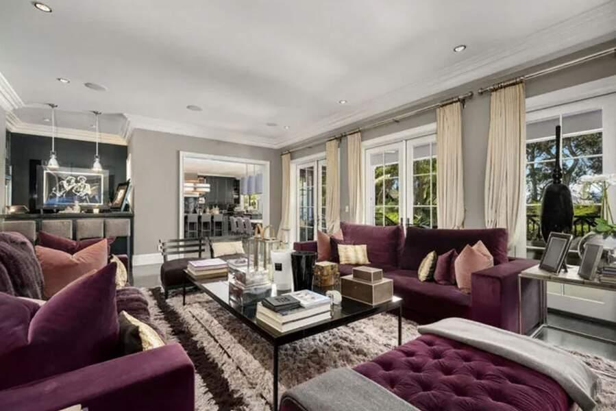 La villa de Johnny Hallyday et Laeticia à Pacific Palisades vendue en février 2021 pour 13 millions d'euros à Los Angeles.