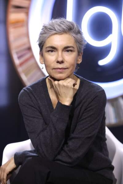 Elisabeth Quin. Portrait officiel pour La Grande Librairie