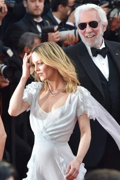 Vanessa Paradis en 2016 : s'assume en élégante robe à volants transparente